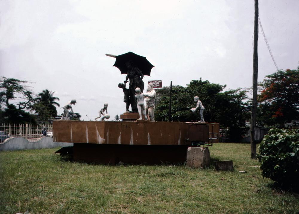 Water-Spraying Fountain