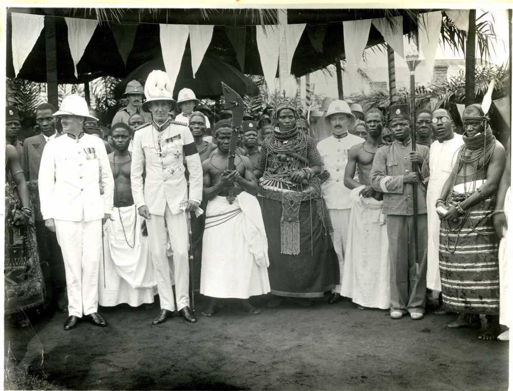 Oba Akenzua II with Nigerian Governor Bernard Henry Bourdillon